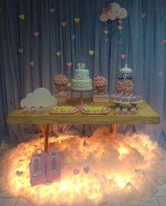 Chuva de Amor para a linda Júlia! Produção da querida titia @amandabritoh Agradecemos o carinho e registro! Peças @locglam | Nuvem @atelie_costurando_em_casa | Mobília @paulalocacoes | Bolo Anne | Personalizados @donnaideia #LocGlam #festachuvadeamor #festainfantil #festamenina #alugueldeartigosparafesta #vempraloc #asmelhorespeças