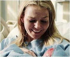 """Emma holds baby Henry as her memories are altered by Regina in """"Going Home"""" Best Tv Shows, Favorite Tv Shows, Fantasy Shows, Mckenna Grace, Swan Queen, Family Show, Outlaw Queen, Jennifer Morrison, Captain Swan"""