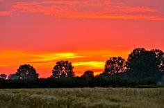 Spectaculaire zonsondergang boven Batenburg #4