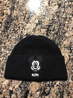 2c05c9234be37 Kith Iceberg Mickey Mouse Face wool beanie Brand New