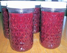 Homemade strawberry raspberry honey syrup or sauce is an old-fashioned treat you won't find on the grocery store shelves. Strawberry Syrup Recipes, Raspberry Syrup, Sweets Recipes, Healthy Recipes, Healthy Foods, Canned Strawberries, Canning Lids, Honey Syrup, Food Storage