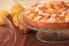 """Um lanche (há já algum tempo!) em casa de uns amigos tinha esta linda e deliciosa """"tarte"""" como centro das atenções. Estava deliciosa e foi..."""