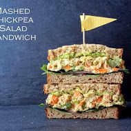 THE SIMPLE VEGANISTA: MASHED CHICKPEA SALAD