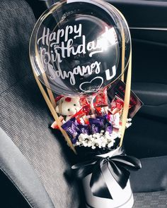 Food Bouquet, Gift Bouquet, Candy Bouquet, Balloon Flowers, Balloon Bouquet, Birthday Gifts For Best Friend, Best Friend Gifts, Diy Party Decorations, Balloon Decorations