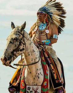Photograph Untitled by Royce Nowlin on Native American Face Paint, Native American Horses, Native American Warrior, Native American Paintings, Native American Wisdom, Native American Pictures, American Indian Art, Native American History, American Indians