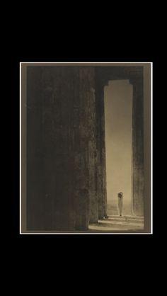 """Edward Steichen - """" Isadora Duncan - Columns of the Parthenon """", 1921 - Palladium print  - 23,2 x 16,5 cm"""