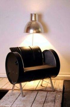 Récupérer un vieux baril d'huile de garage et le transformer en fauteuil. Pour un look déco industriel.