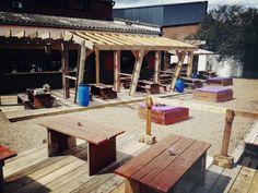 Smokey Tails - Hackney Wick - BBQ, canal side, cheap, sunshine