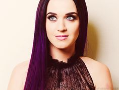 Katy Perry-loooove her hair color!