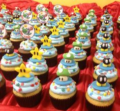 Place of Cakes: Cupcakes Super Mario Bros. / Galaxy