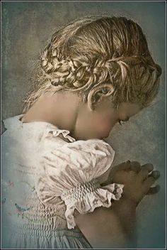 This is a beautiful portrait of childhood. Painting by Monica Roberts Art Gallery, Art Works, Art Photography, Portraiture, Amazing Art, Art, Pictures, Beautiful Art, Love Art
