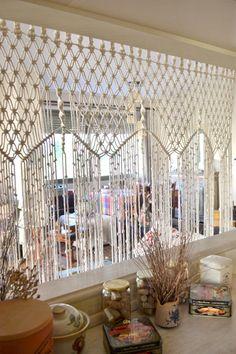 Macrame cortina / divisor de habitación pared por Bohochoco en Etsy