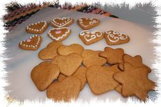 Gingerbread Cookies, Biscuits, Food And Drink, Merry, Yummy Food, Sweets, Baking, Desserts, Christmas