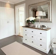 buffet - Home Decoration Furniture Makeover, Home Furniture, Furniture Design, Condo Living, Apartment Living, Home Decor Bedroom, Living Room Decor, Interior Design Living Room, Room Inspiration