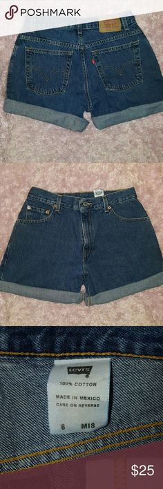 Levi's Vintage High Waisted Mom Shorts Size 8 Misses Vintage Levi's 100% cotton. Perfect condition. Hot style. These sell out quick! Levi's Shorts Jean Shorts