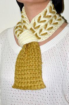 Ravelry: Honey Scarf pattern by Christy Hills