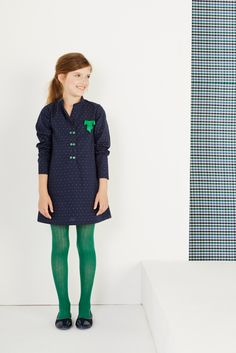 Vestido para que tu peque luzca elegante | Elegant dress for any occasion #moda… Colored Tights Outfit, Green Tights, Young Girl Fashion, Tween Fashion, Moda Tween, Our Girl, Preppy, Girl Outfits, Shirt Dress