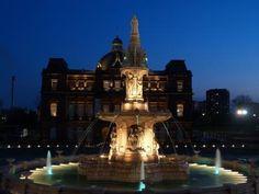 People's Palace / Doulton Fountain. A.B. MacDonald / Arthur E. Pearce. 1898 / 1890. Category A Listed. Photo: Alan Crumlish.