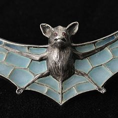 The bat is a symbol of rebirth - death and change. Considering that the Art Nouveau period itself was an era of changing thought, it may explain why bats figured so abundantly in the symbolism of the period. Bijoux Art Nouveau, Art Nouveau Jewelry, Jewelry Art, Enamel Jewelry, Antique Jewelry, Vintage Jewelry, Memento Mori, Jewelery, Old Things