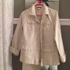 J crew cargo jacket Jcrew cargo jacket. Khaki cotton and really versatile. Great layering piece. Never worn! J. Crew Jackets & Coats Utility Jackets