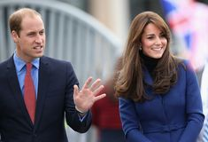 Kate Middleton Photos Photos - Catherine, Duchess of Cambridge and Prince William, Duke of Cambridge arrive at RSS Discovery as part of an away day to the Scottish City on October 23, 2015 in Dundee, Scotland. - The Duke and Duchess of Cambridge Visit Dundee