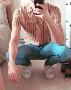 vertical stripes - casual vintage - Boda Tutorial and Ideas Stylish Mens Outfits, Casual Outfits, Fashion Outfits, Korean Fashion Men, Mens Fashion Suits, Vintage Fashion Men, Retro Outfits, Grunge Outfits, Style Masculin