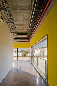 Gallery of School Of Music In Lisbon / João Luís Carrilho da Graça - 4 Minimalist Architecture, Modern Architecture House, Warehouse Project, Music School, Room Interior Design, Modern Minimalist, Stairs, Room Decor, House Design
