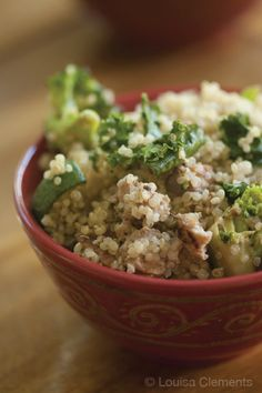 This dinnertime recipe for a Quinoa Bowl is sure to inspire kitchen creativity on how to incorporate dark leafy greens into your meal prep! Plus, the whole family is sure to enjoy the nutty flavor.