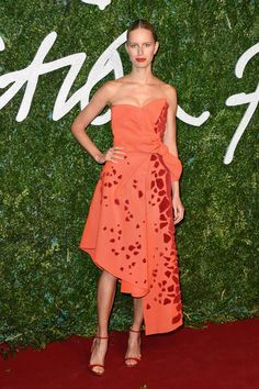 Pin for Later: The British Fashion Awards Red Carpet Was as Stylish as You'd Expect Karolina Kurkova