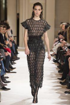 Giambattista Valli Fall 2017 Ready-to-Wear Fashion Show - Camille Hurel