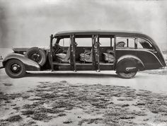 Shorpy Historic Picture Archive :: Rotorua Cadillac: 1938 high-resolution photo