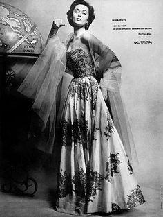 NINA RICCI Evening dress, 1954