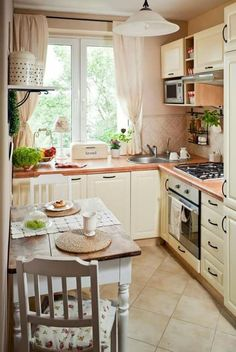 Landhaus-Küche small kitchen set up country style cream color small dining area A guide on how to bu Small Kitchen Set, Cozy Kitchen, Country Kitchen, New Kitchen, Kitchen Decor, Space Kitchen, Kitchen Ideas, Scandinavian Kitchen, Kitchen Corner