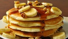 Easy, delicious and healthy Whole Wheat Banana Pancakes recipe from SparkRecipes. See our top-rated recipes for Whole Wheat Banana Pancakes. Pancakes Easy, Protein Pancakes, Banana Pancakes, Fluffy Pancakes, Yogurt Pancakes, Paleo Pancakes, Dessert Sans Gluten, Gluten Free Desserts, Pancake Proteine