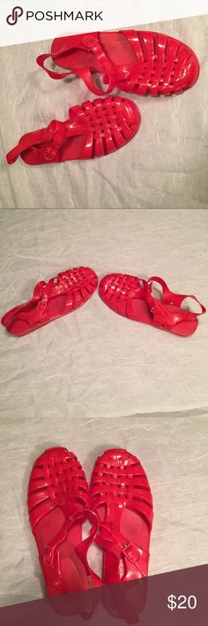 Your Feet Look Amazing Red Jelly Sandals ❤️Sz 9 Bees vibrant red sandals are perfect for any summer night. They are used but in great condition. They are comfortable and stylish.✨❤️✨❤️✨❤️✨ Your Feet Look Amazing Shoes Sandals