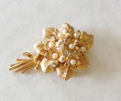 ANYTIME... ANYWHERE...PEARLS!!! by loli on Etsy