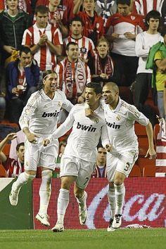 Sergio Ramos, Cristiano Ronaldo e Pepe. Real Madrid