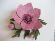 Купить Анемона - тёмно-фиолетовый, брошь, брошь цветок, брошь из войлока, цветок ручной работы