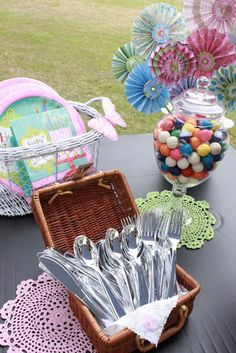My little cottage in the making: A VINTAGE PICNIC BIRTHDAY PARTY