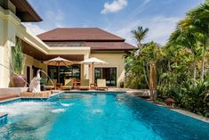 Helt hjem/leilighet i Tambon Rawai, Thailand. Swim in a pool kept fresh by the water flowing delightfully from the trunks of stone elephants. The tropical garden also boasts a Jacuzzi, plus an ...