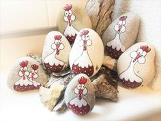 Showcase of the most beautiful rocks painted by artist Lidia Zingerle, winner of the RED WEEK event in RockStreet Collective Pebble Painting, Pebble Art, Stone Painting, Chicken Painting, Chicken Art, Red Chicken, Painted Garden Rocks, Hand Painted Rocks, Painted Stones