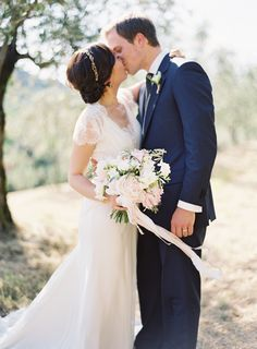 Elegant Outdoor Tuscany Wedding via oncewed.com