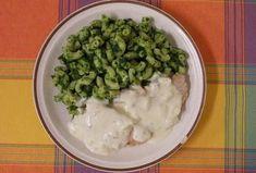 Maso se sýrovou omáčkou a špenátovými těstovinami Grains, Rice, Meat, Chicken, Food, Essen, Meals, Seeds, Yemek