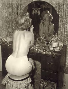 Marilyn Monroe in the boudoir.