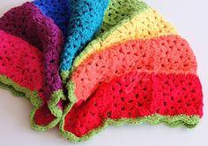Babydecke *Regenbogen* gehäkelt von Curlyz auf DaWanda.com
