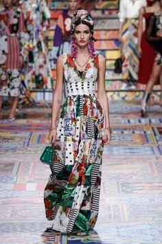 Couture Fashion, Runway Fashion, Fashion News, Fashion Show, Fashion Looks, Fashion Design, Dolce & Gabbana, Couture Dresses, Fashion Dresses