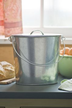 10 Easy Pieces: Kitchen Compost Pails