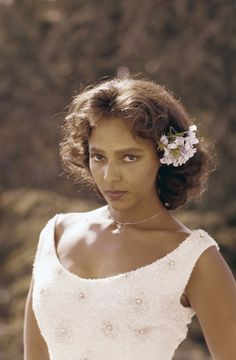 Dorothy Dandridge in Living Color | Vintage Black Glamour Dorothy Jean Dandridge (1922 – 1965), theater and film actress, singer and dancer. First black actress to be nominated for an Academy Award...