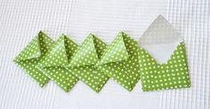 Briefumschläge - 5 x grüne Sternchenbriefumschläge - ein Designerstück von GisaDiane bei DaWanda
