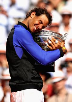 PHOTOS: Rafael Nadal claims 10th title at Roland Garros with victory over Stan Wawrinka – Rafael Nadal Fans
